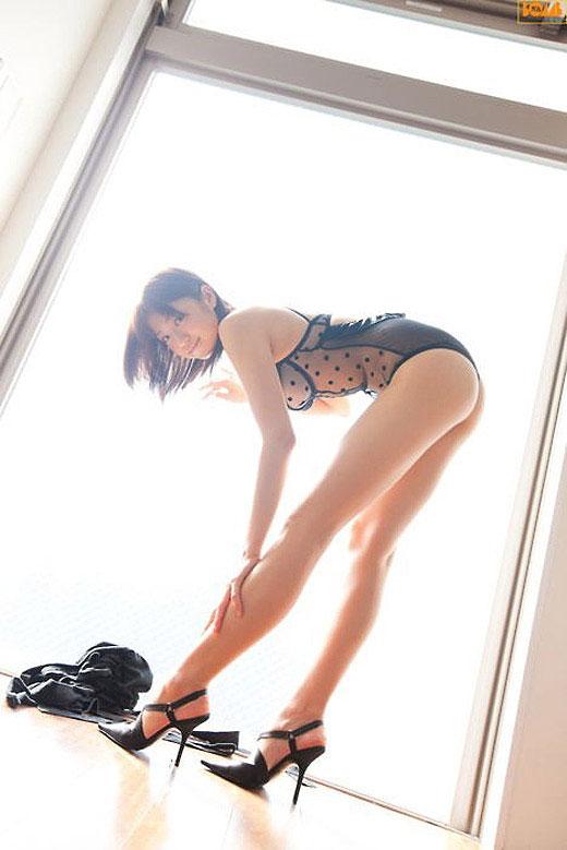【美脚エロ画像】脚のラインが美しすぎる妖艶で悩ましい美脚の魅力www 20
