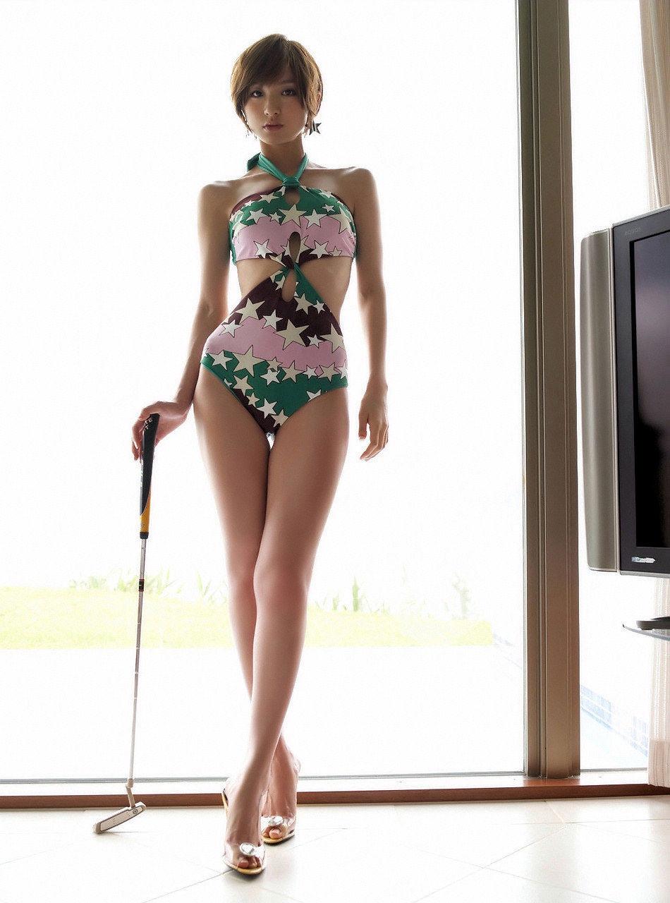 【美脚エロ画像】脚のラインが美しすぎる妖艶で悩ましい美脚の魅力www 27