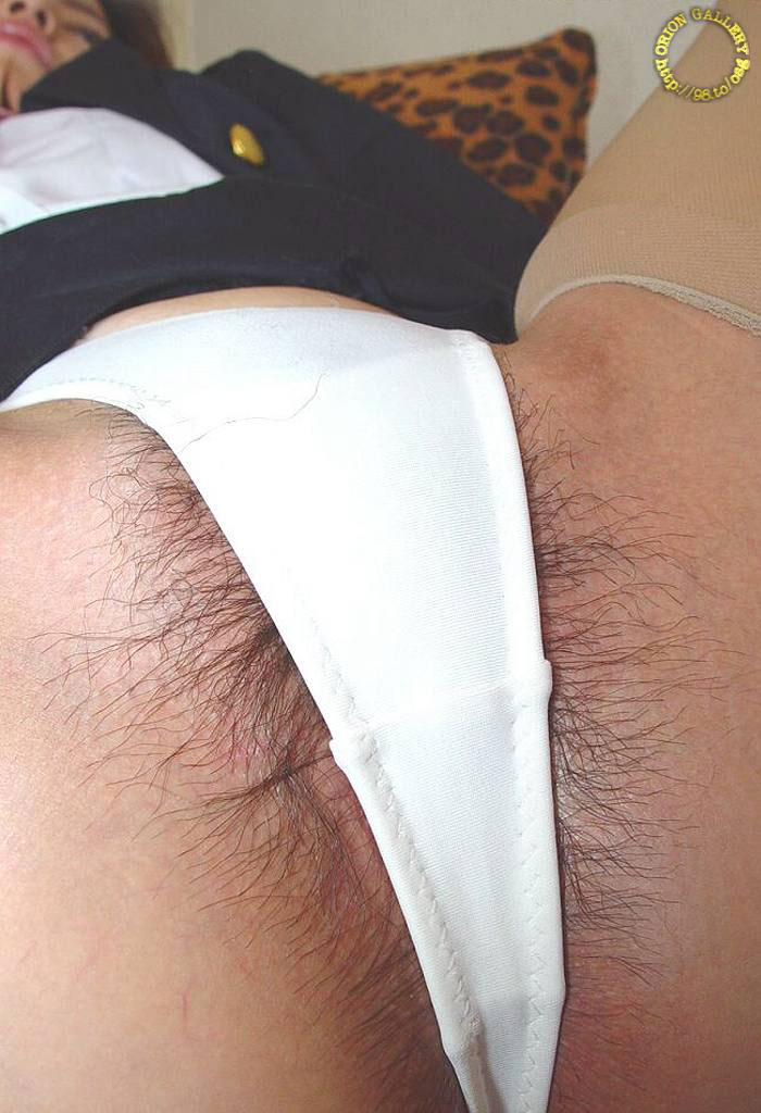 【ハミ毛エロ画像】剛毛じゃないけど陰毛がはみ出ちゃってる画像まとめwww 11
